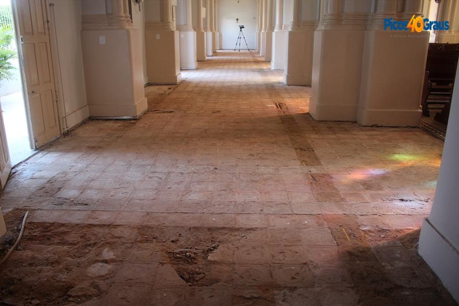 Ministério Público recomenda paralisação de obras na Catedral de Picos