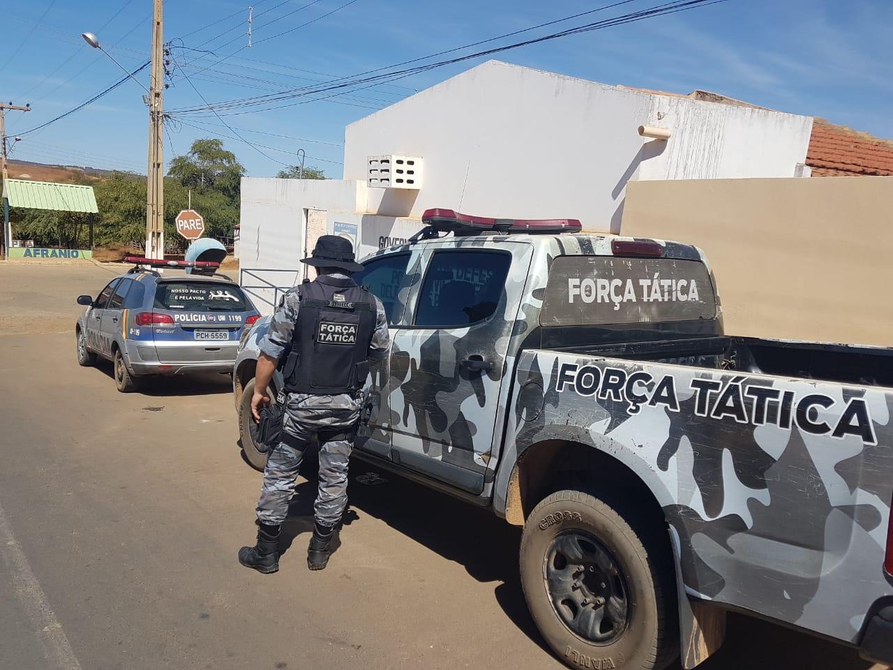 Polícia apreende maconha que vinha de Petrolina-PE para Picos-PI
