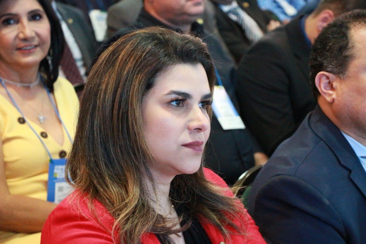 Marina Santos diz que trabalha para estreitar laços com o governo federal