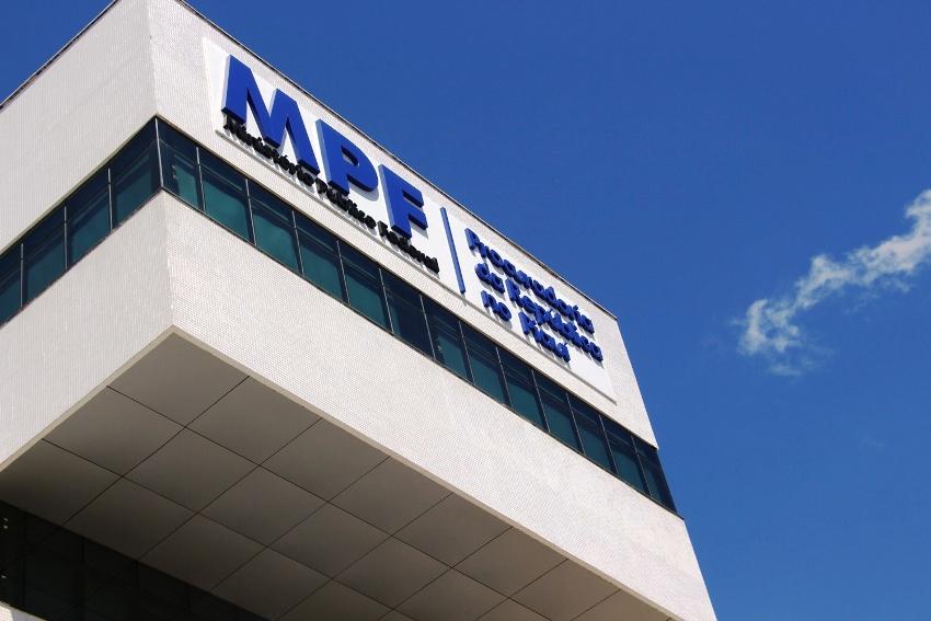 MP-PI entra com ação para regularizar transporte escolar em Valença do Piauí