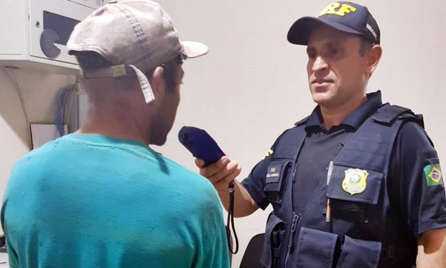 PRF de Picos prende duas pessoas por dirigem alcoolizadas na BR-316