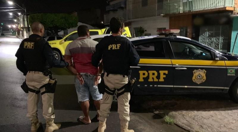 PRF prende em Alagoas foragido por degolar vítima em Picos