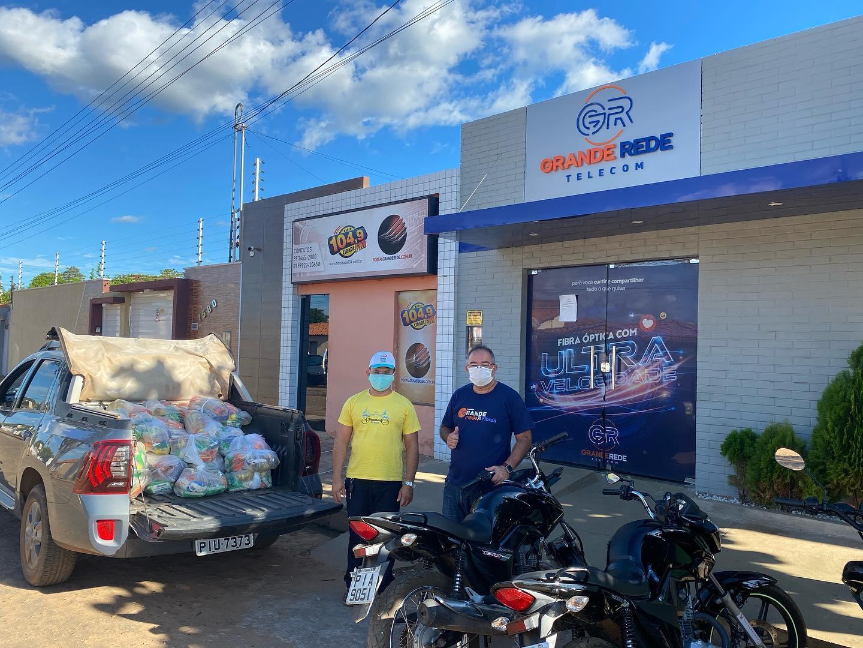 Campanha 'Grande Rede Amiga' distribui cestas básicas para famílias em risco social em Valença (PI)