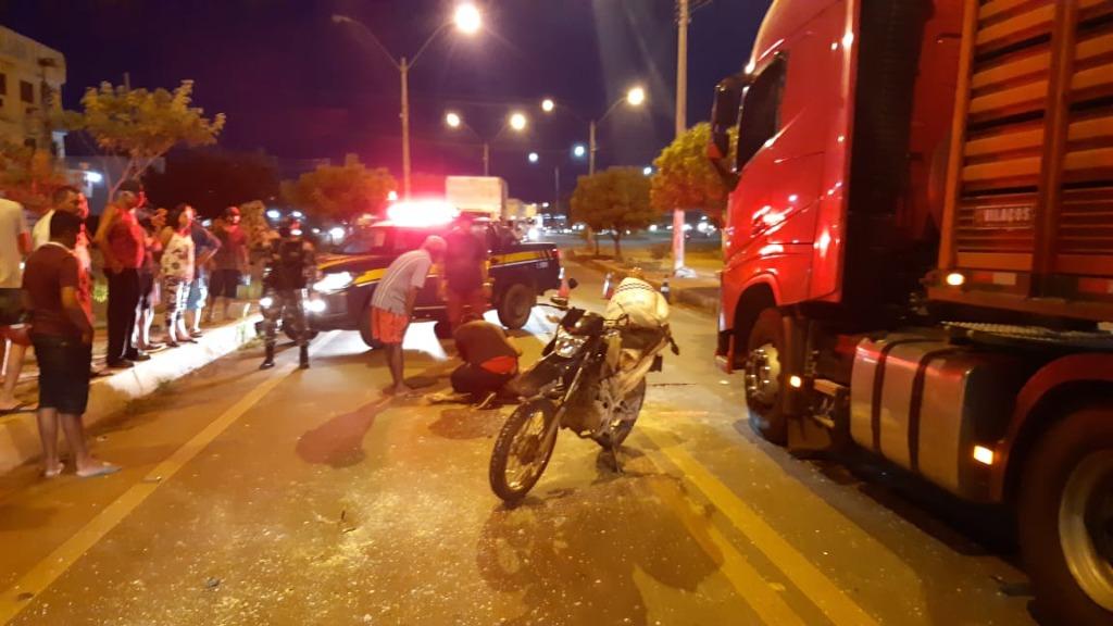 Colisão entre motocicletas deixa duas pessoas feridas na BR 316 em Picos