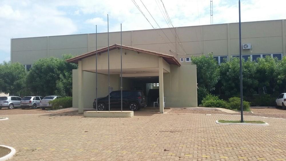 Família é presa suspeita de tráfico de drogas e furto de energia em Picos