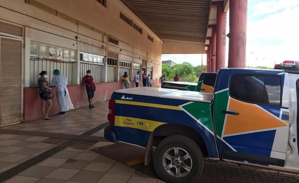 ANTT flagra 14 pessoas em van clandestina que seguia de SP para o CE