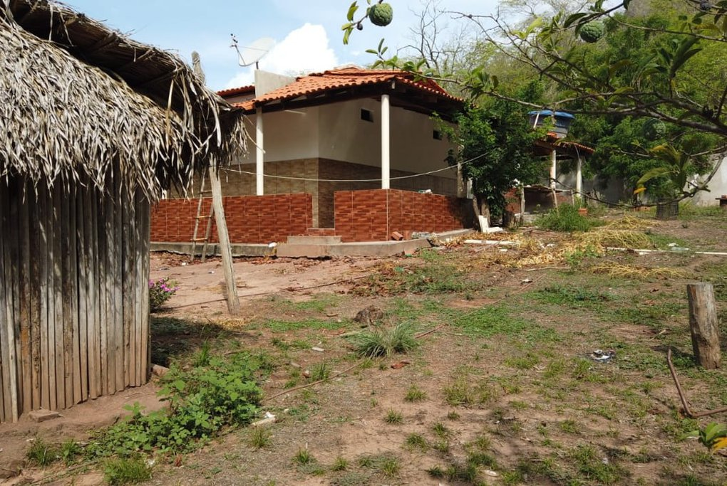 Fuzis apreendidos estavam enterrados em sítio no interior do Piauí