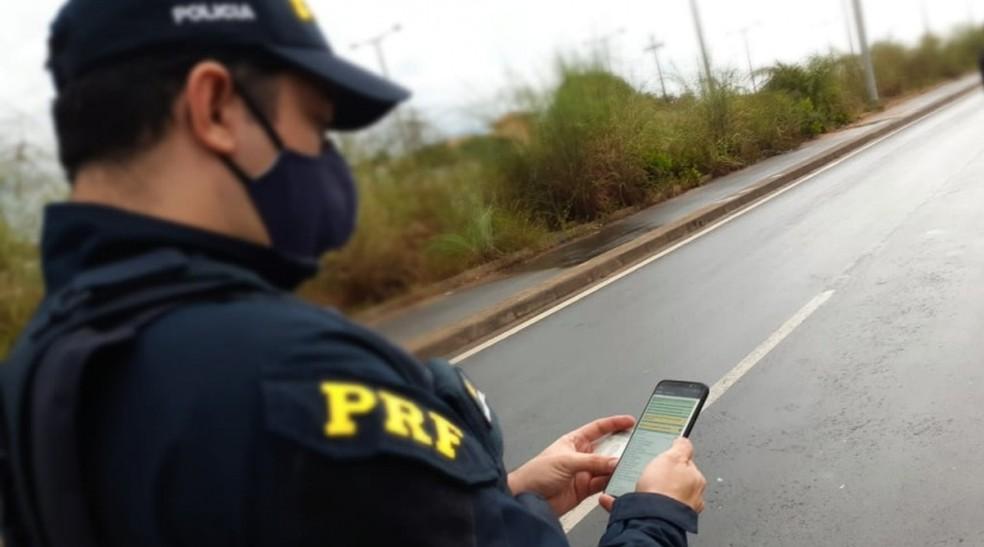 Homem é preso suspeito de aplicar golpe se passando por agente da PRF em Picos