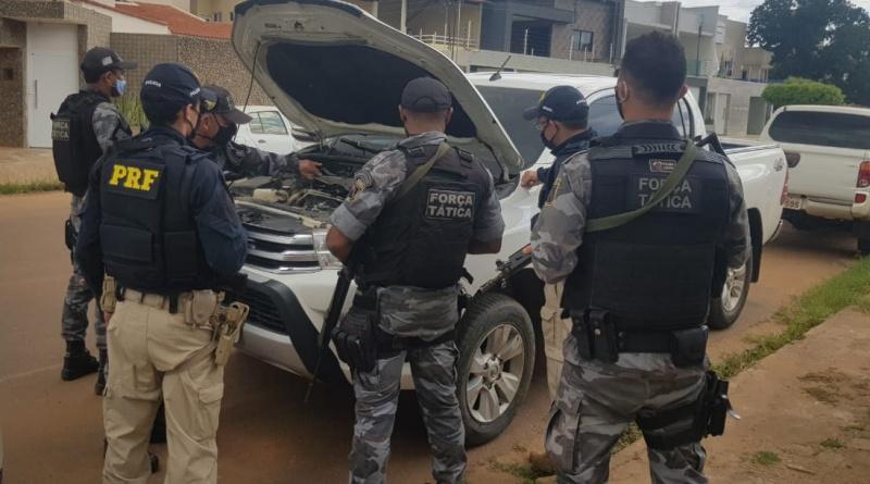 Homem de 39 anos é preso com Hilux roubada na BR 316 em Picos