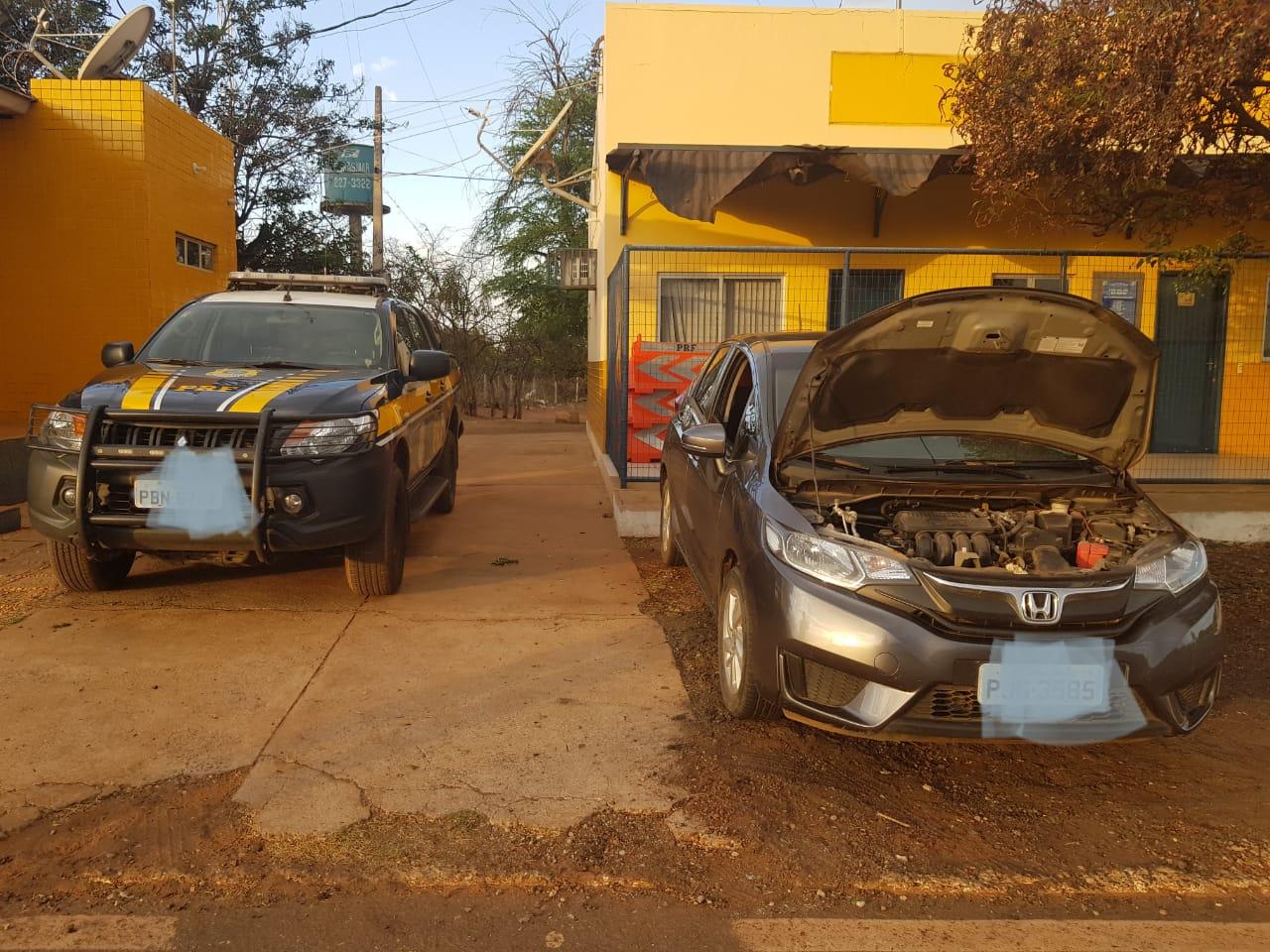 PRF recupera veículo roubado na BR 316 na cidade de Picos