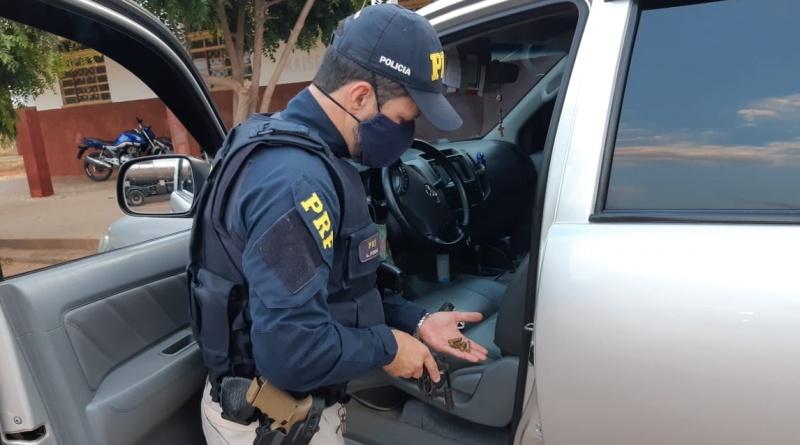 PRF prende motorista com arma e dinheiro na BR-316 em Valença (PI)