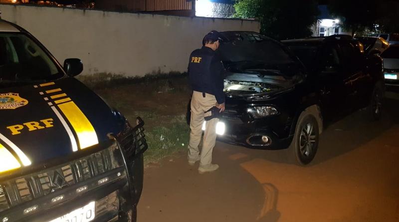 PRF apreende carro adulterado de empresário na BR 316 em Picos