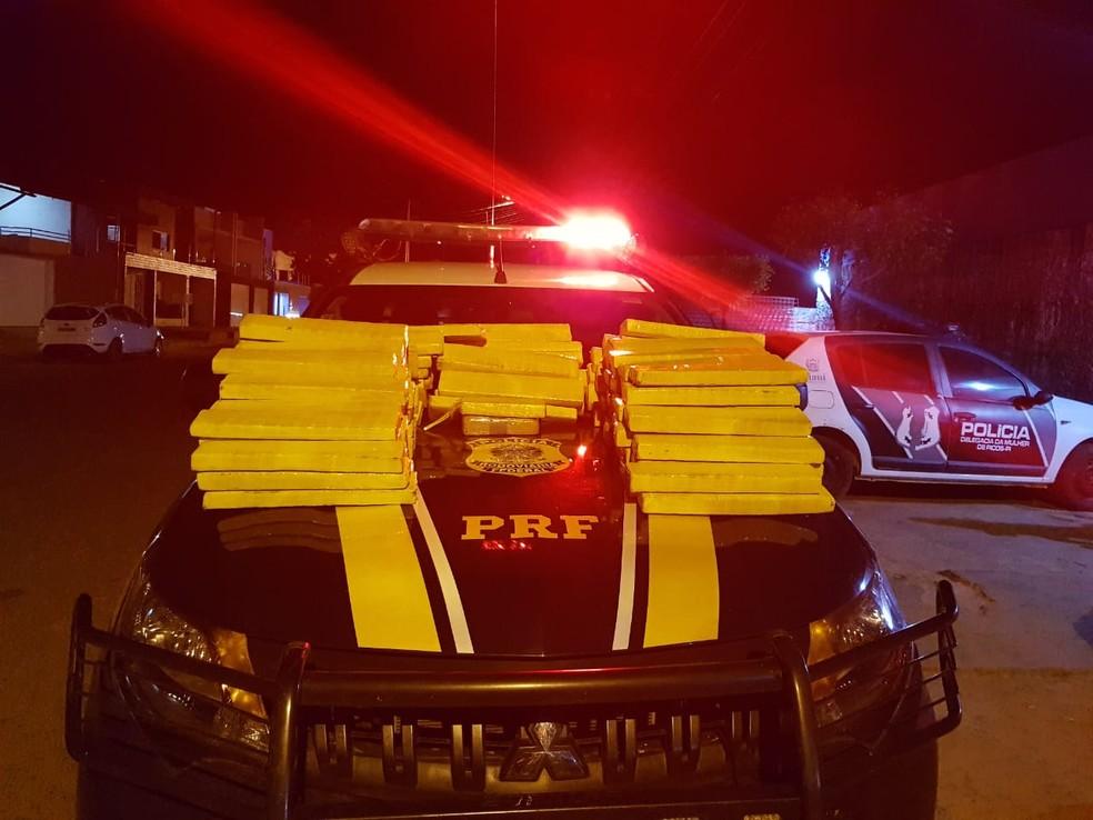 PRF prende homem com 148 kg de maconha vinda do Paraguai em abordagem na cidade de Picos