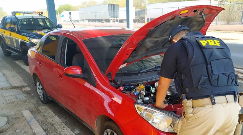 PRF prede homem e recupera carro clonado na BR-316 em Valença