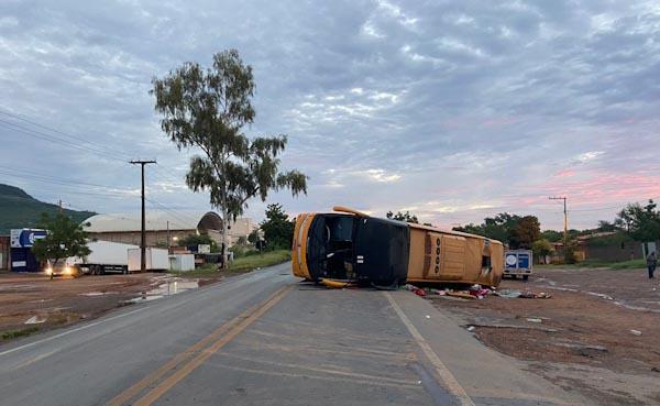 Corpos das 4 vítimas de acidente de ônibus em Barreiras são identificados e liberados