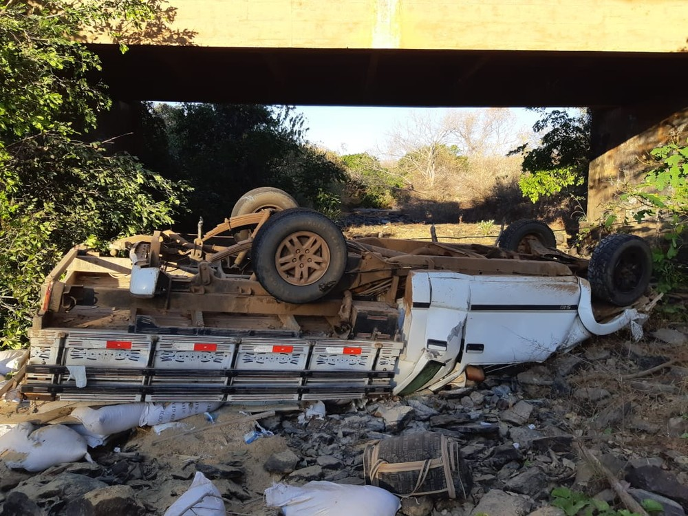 Presidente de Câmara de vereadores em SE morre após cair de ponte em acidente em Valença (PI)