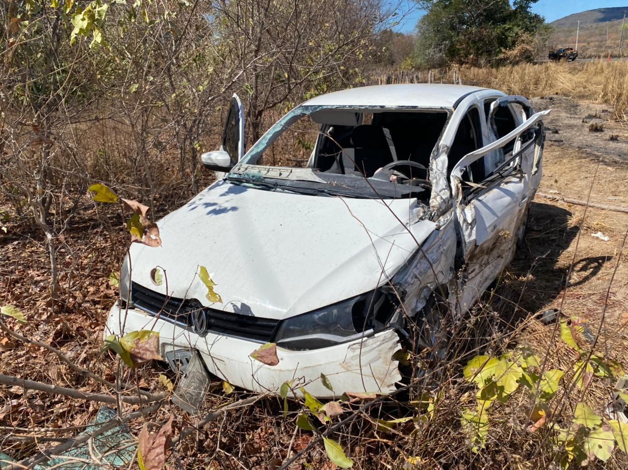 Homem morre em acidente entre carro e carreta em Valença do Piauí