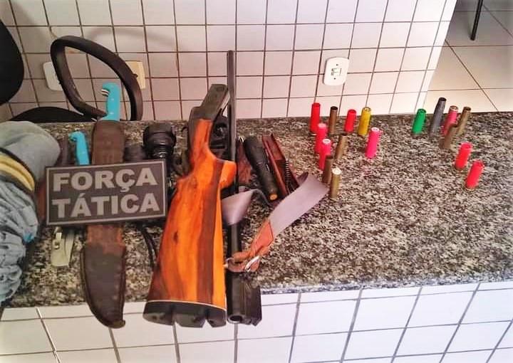 Polícia Militar prende caçadores por porte ilegal de arma em Valença
