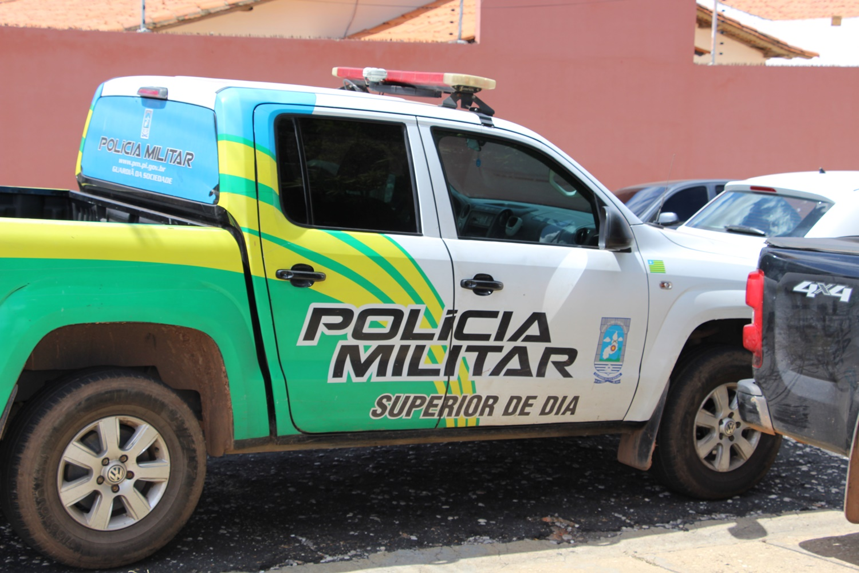 Dupla acusada de tráfico de drogas é presa em Santa Cruz dos Milagres