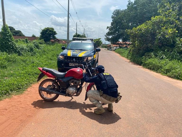 PRF prende homem por adulteração de veículo em Inhuma