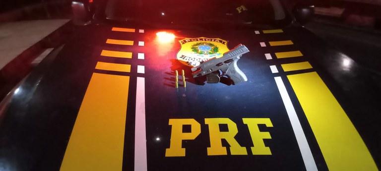 Dois são detidos por porte ilegal de arma em Valença do Piauí