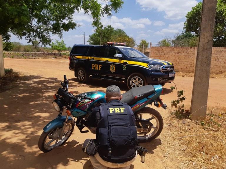 Homem de 47 anos é preso com veículo roubado em Valença do Piauí