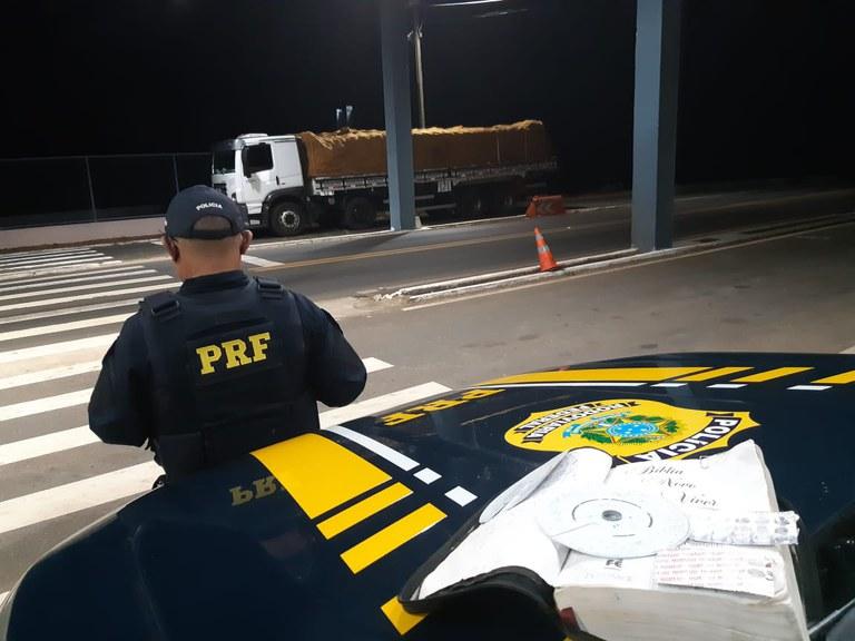 Caminhoneiro é autuado por portar anfetaminas em Valença do Piauí