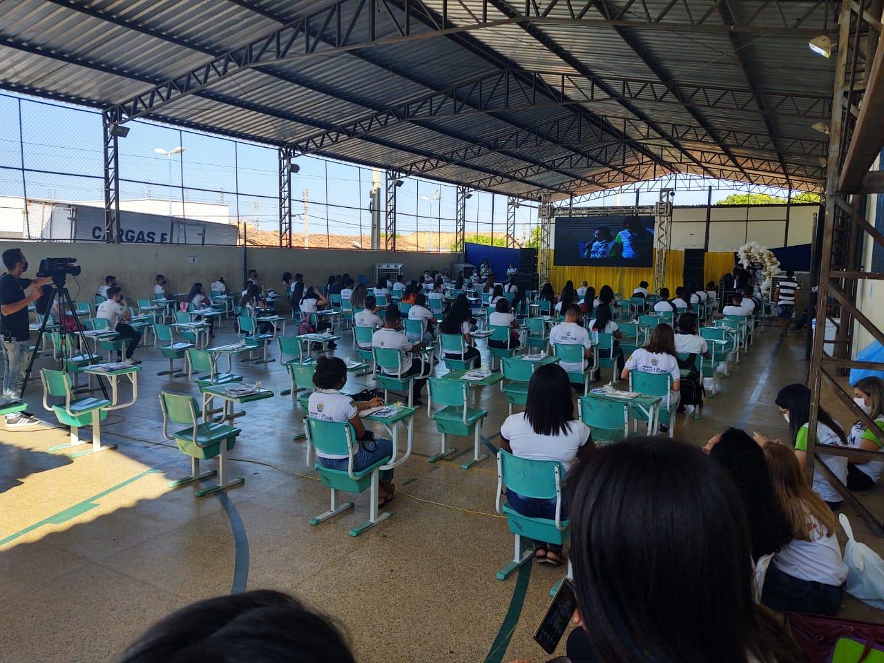 Estudantes de Valença participam das revisões do Pré-Enem da Seduc